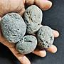 能量石來自外太空隕石頭內為透明玻璃體 能量管測試有極強順時針正能量 隨機出貨 每顆單一價300 十顆以上有優惠