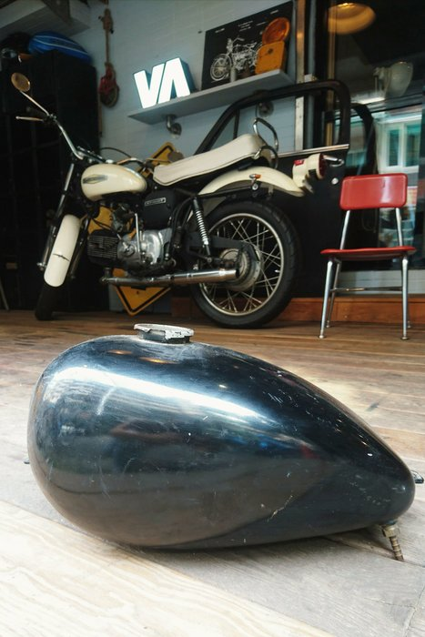 Vintage Americana。復古事 Harley Davidson 經典 老油箱 哈雷 油箱 復古 咖啡店 裝飾