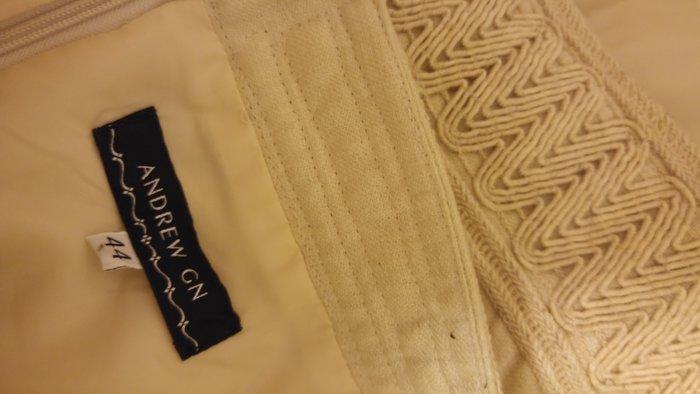 原價$3800 ANDREW GN 米色簡約及膝裙