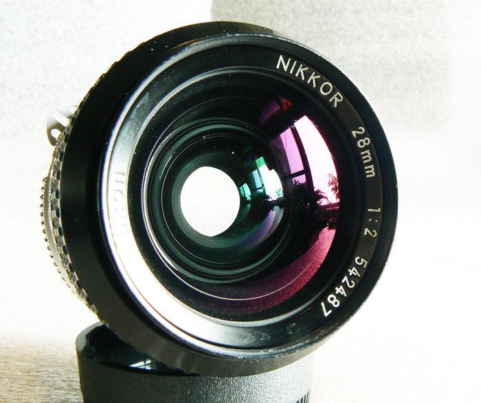 【悠悠山河】酒吧之眼 酒紅鍍膜 Nikon Nikkor 28mm F2 AI 成像精銳細膩 透亮無刮無霉無霧無塵