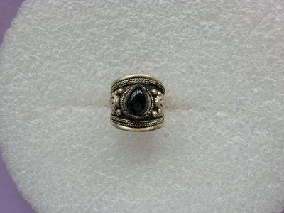 西藏老戒:藏銀.鑲黑膽石