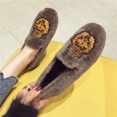 【Trend Sh】2018秋冬羊羔毛刺繡小蜜蜂皇冠瓢鞋女英倫休閑毛毛鞋百搭豆豆船鞋