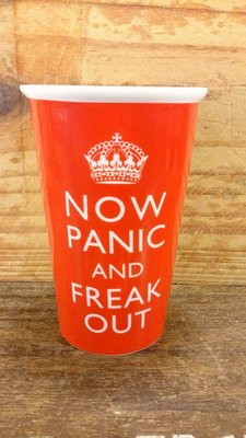 """英國""""NOW PANIC AND FREAK OUT""""雙層陶瓷隨手杯:英國 標語 海報 陶瓷杯 隨手杯 設計 收藏 禮品"""