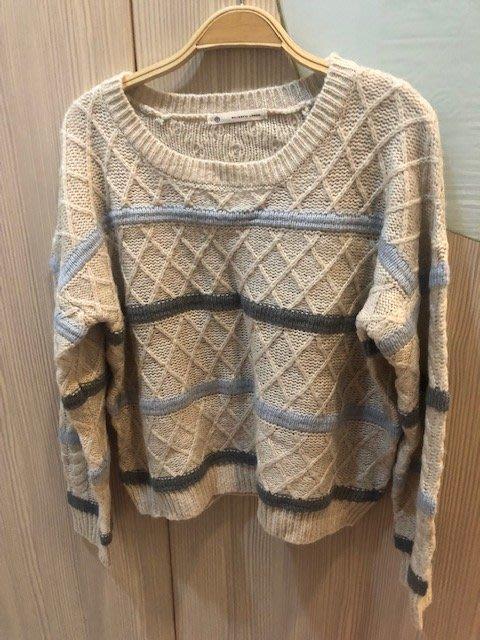 小花別針、百貨品牌日本專櫃【 majestic legon】米白線條寬鬆上衣毛衣
