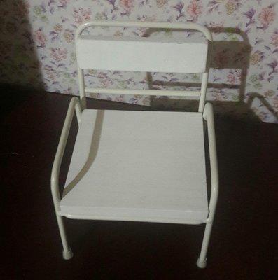 娃娃的椅子