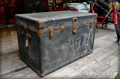 美國古董大型鐵製藏寶箱 復古老鐵箱 可當茶几 [BOX-0161] 舊箱子 家飾 二手 美式 老件 擺飾 古道具 裝飾