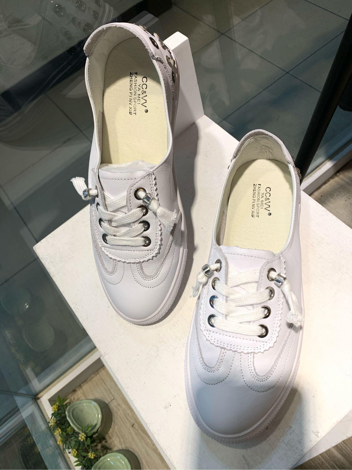 正韓商品 真皮水鑽小白鞋 真皮休閒鞋