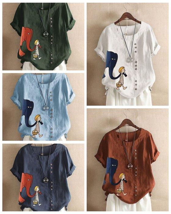 貓姐的團購中心~有大尺碼~大象女孩印花釘扣短袖T~5種顏色~ M-5XL一件390元~預購款