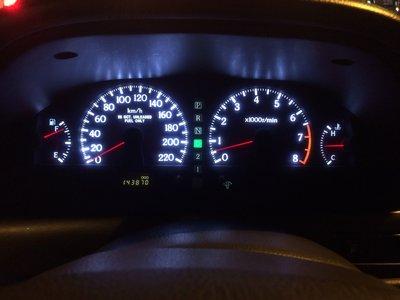 NISSAN CEFIRO A32 儀表板燈 指針燈 指針不亮 LED白光背燈 維修 (直購價為含工資換到好) 保固半年