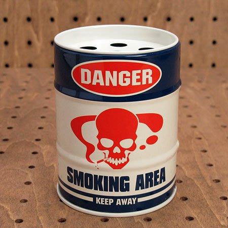 (I LOVE樂多)日本進口DANGER迷你油桶煙灰缸 (送人自用兩相宜)