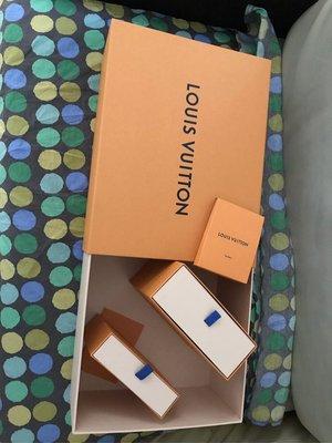 LV hard box 三個 鞋帶