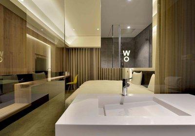 高雄HOTEL WO窩飯店-標準客房雙人房一位1100元/起、含早餐+服務費,洽麥可蜜雪兒旅遊團隊服務你;另有和逸、君鴻
