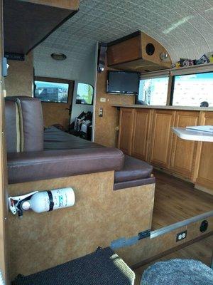 DJD19070553 DODGE 道奇 小巴士 音響設計/訂製服務 依需求報價