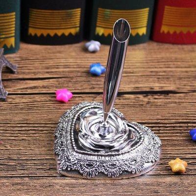 【GIGI小舖】復古筆座 辦公個性筆座 歐式復古羽毛筆座 精緻心形筆插 蘸水鋼筆