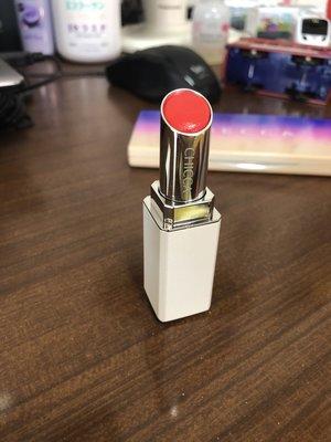 轉賣近全新日本專櫃品牌(已撤櫃停產) CHICCA MESMERIC LIPSTICK 唇膏06 Lucent Red