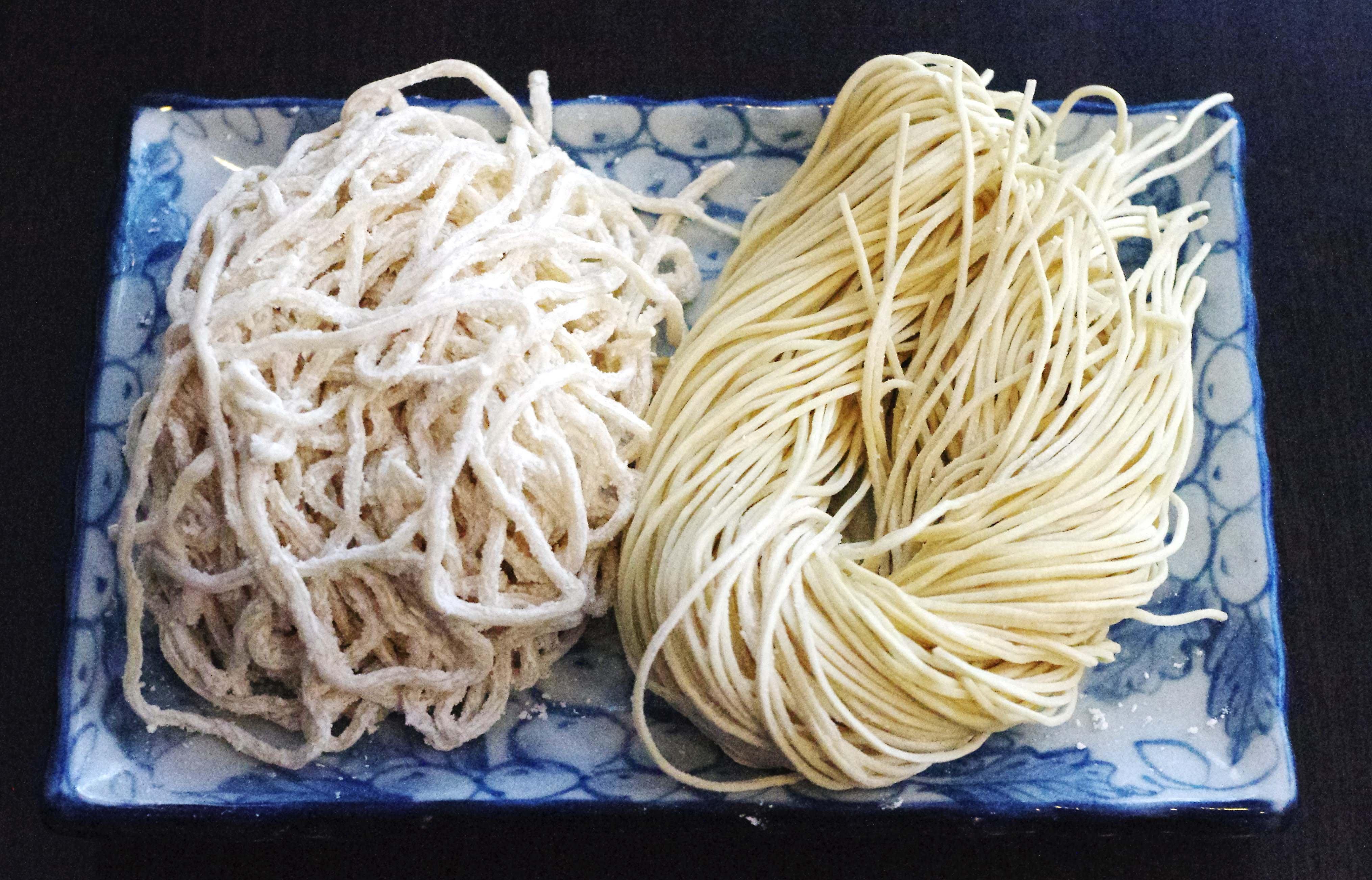 日本冠軍拉麵 日本拉麵條 買10送1份  ,每份20元 (可選粗麵或細麵)