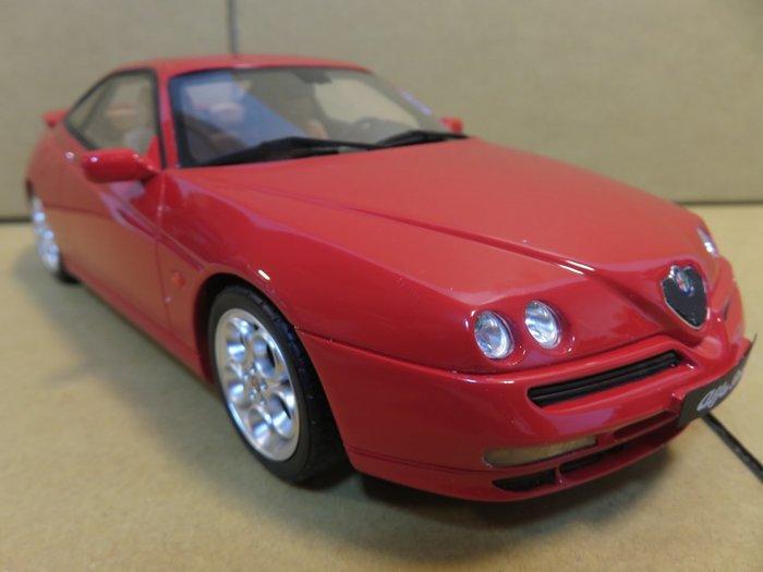 =Mr. MONK= OTTO Alfa Romeo GTV V6