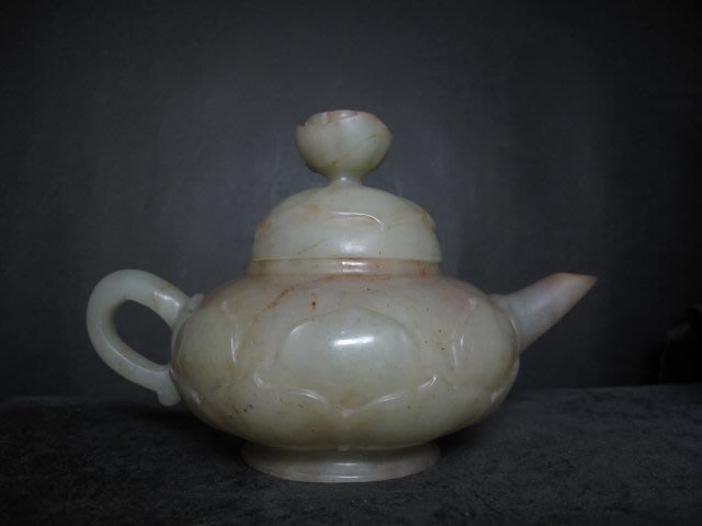 老玉雕◎ 荷葉蓮花 玉茶壺