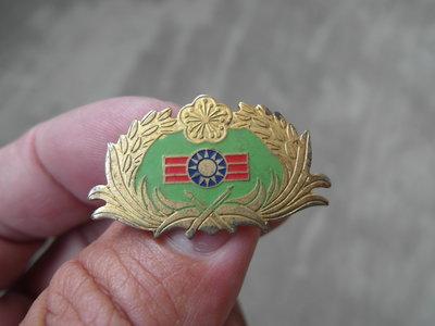 早期----軍訓教官徽章-----寬2.4公分--國軍