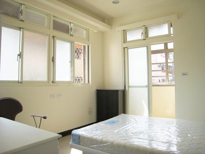 【安心整合】套房改建 室內設計 裝修 老屋翻修 裝潢 拆除 泥作 水電 氣密窗 隔音窗 油漆 系統櫃 防水工程 間接照明