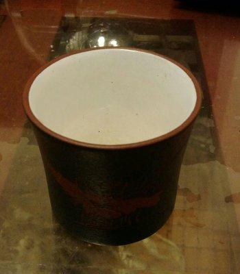 早期鐵畫軒綠泥白釉杯