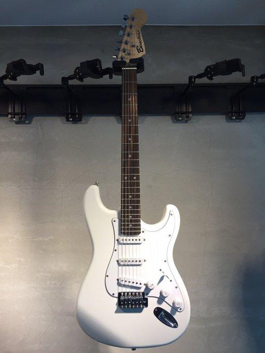 【六絃樂器】全新精選 Bensons ST型 白色小搖座電吉他 / 現貨特價