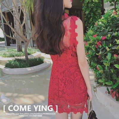 【COME YING】韓國訂單.超顯氣質 紅色勾花蕾絲 露背腰間透視網紗感 修身無袖洋裝/小禮服/婚禮連身裙 $599