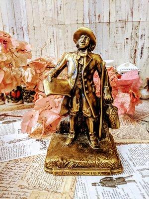 美國P.M craftsman 公告傳報員(town crier)銅雕擺飾紙鎮老件