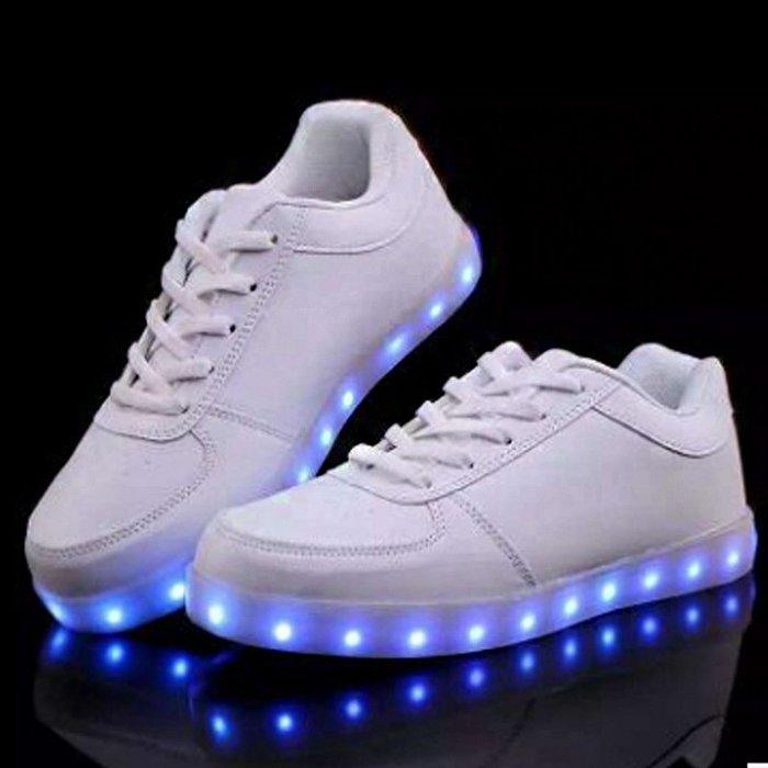 春季新款小白鞋情侶女鞋LED燈發光鞋USB男鞋韓版學生休閒板鞋