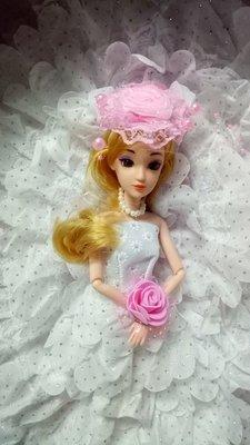 111玩具--ST--新款--漂亮----白色長尾禮服娃娃系列-關節可動---直購價350元
