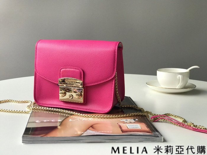 Melia 米莉亞代購 商城特價 數量有限 每日更新 FURLA 經典小方 淑女包 單肩斜背包 素色來襲 桃紅色