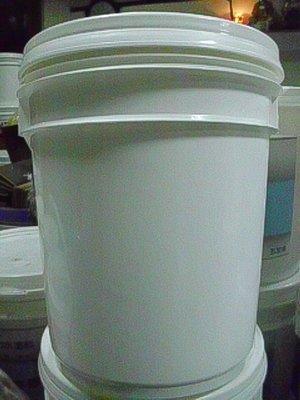 5加侖密封桶.包裝桶、塑膠桶、密封盒.有蓋子..貓狗寵物飼料桶