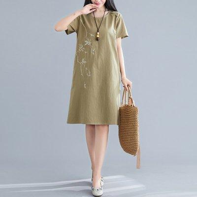 胖妹妹夏裝新款刺繡短袖連衣裙女中國風文藝大碼女裝寬松休閑顯瘦