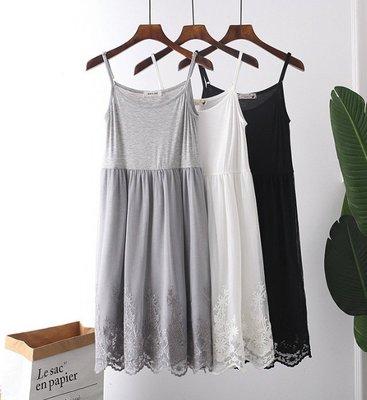 草莓兔╯蕾絲刺繡 襯裙 內搭襯裙 吊帶裙 內搭裙 連身裙。 【預購sh102】 4色
