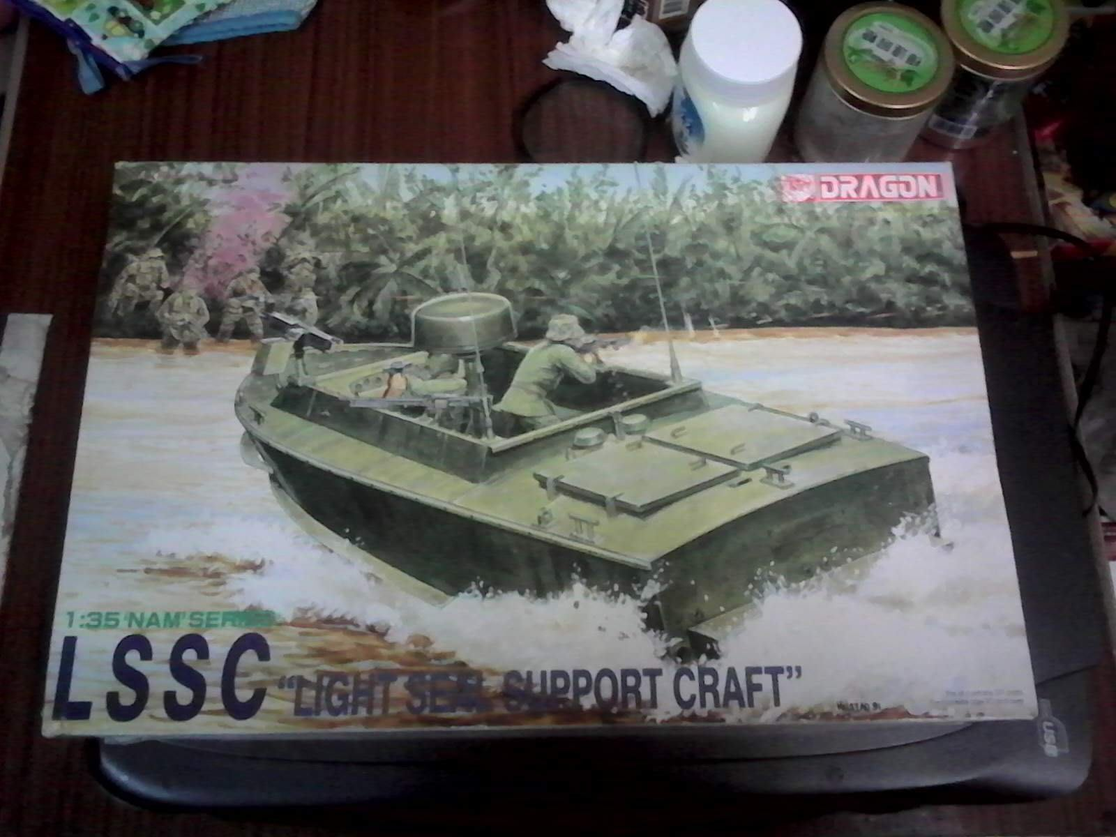 DRAGON 威龍 1/35 LSSC LIGHT  SEAL  SUPPORT  CRAFT 模型玩具需自行組裝塗