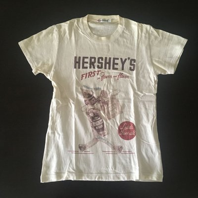 U$A 二手 Uniqlo Hershey's Kisses 巧克力 米白 短T 男XS 小碼 女生可穿 早期 日本版