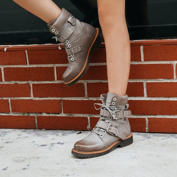 ~皮皮創~原創設計手工鞋。灰擦色真皮馬丁靴布洛克頭層牛皮機車靴英倫風復古個性潮款帥氣真皮騎士靴