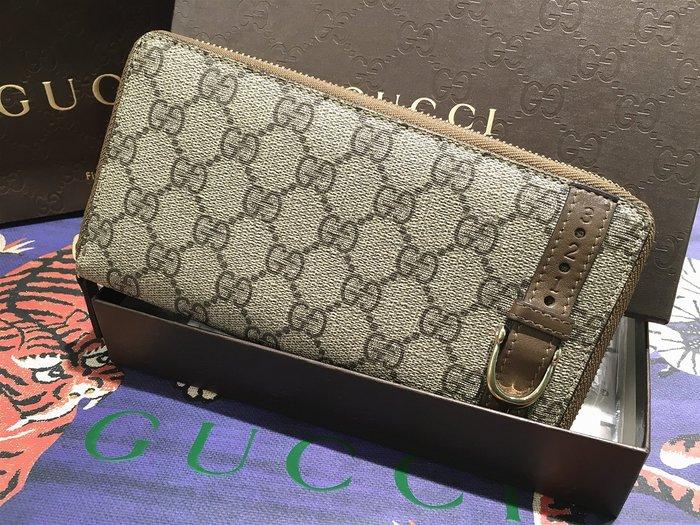 二手旗艦 Gucci 309758 咖啡色 PVC 馬鐙 ㄇ字 拉鍊 12卡 長夾(公益店)06501