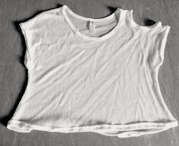 米白色泳衣罩衫