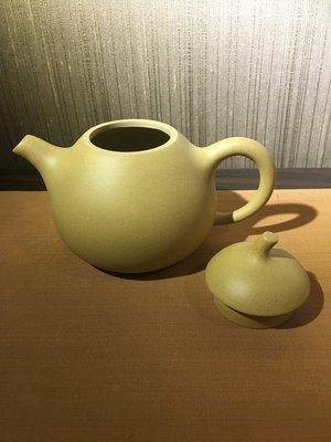 【一(藝)窩】 近代~黃段梨形壺 ~茶壺~紫砂~
