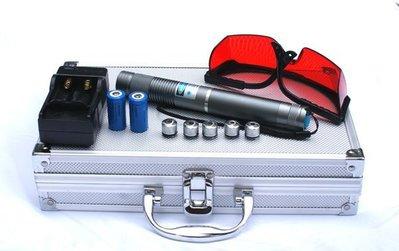 促銷 5w藍光雷射筆 標示50000mw 藍光雷射筆 ~點火燒紙箱+ 可變焦可燃火柴鞭炮金紙