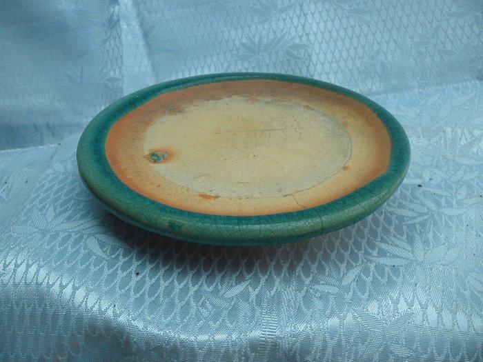 紫色小館-----陶盤1(約直徑16公分)
