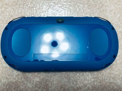 便宜售只考慮價格.不考慮外觀.配件無所謂的請進PSV 2000主機黑藍色單主機+可改機3.73版本8成新未改機一年保修
