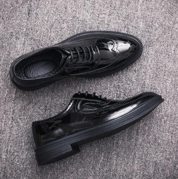 英倫布洛克小皮鞋韓版潮流蘇男鞋男士休閑鞋發型師尖頭皮鞋一腳蹬懶人鞋—莎芭