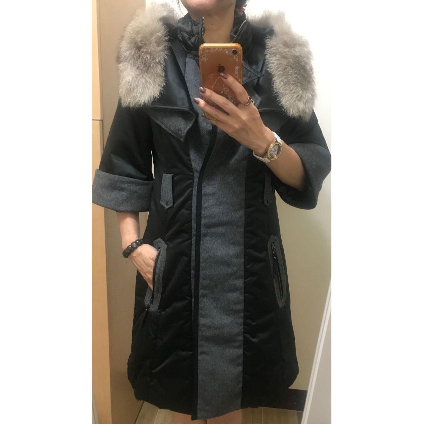 星星花園母親節禮物特價~La feta拉法達多way設計款小高領附可拆狐貍毛領七分袖風衣洋裝外套~耶誕PARTY尾牙喜酒