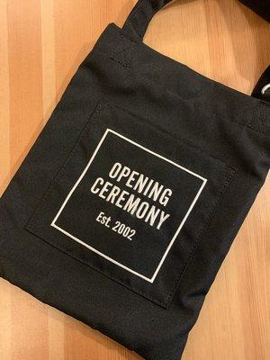 opening ceremony OC 經典 logo黑色  斜背包 小包  保證正品 beautiful people