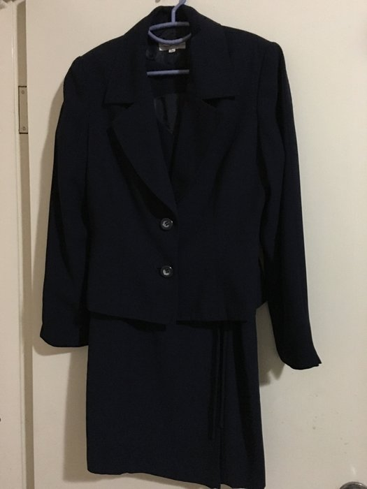 二手日本品牌深藍色長袖西裝外套加無袖交叉綁帶短洋裝 OL上班族必備