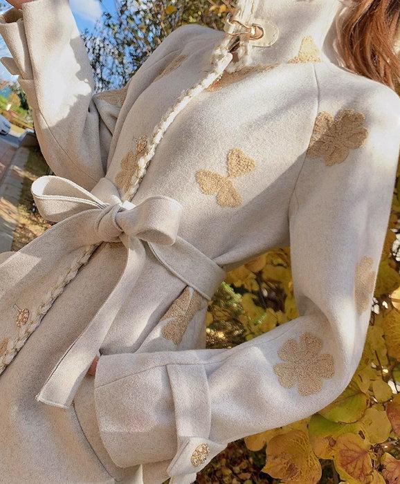 ◎緹蕾雅◎高級訂製設計款韓版麻花鑲邊刺繡浮雕花朵水鑽加厚毛呢外套洋裝實拍/口罩正韓羊毛羽絨針織外套收納毛帽保護貼/現+預