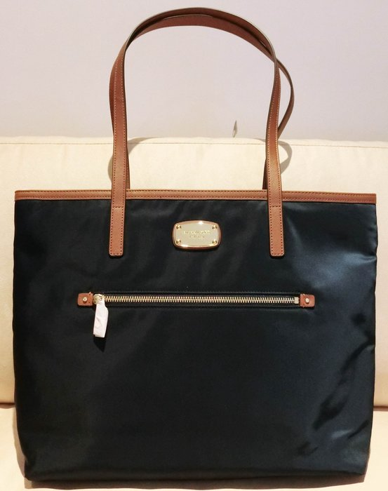 大降價!全新美國名牌 Michael Kors MK 藍色包體皮革飾邊側揹包手提包,低價起標無底價!本商品免運費!
