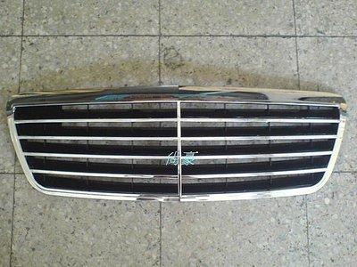 M.BENZ~E系列 W210-99~02 全新 黑底9線 水箱罩